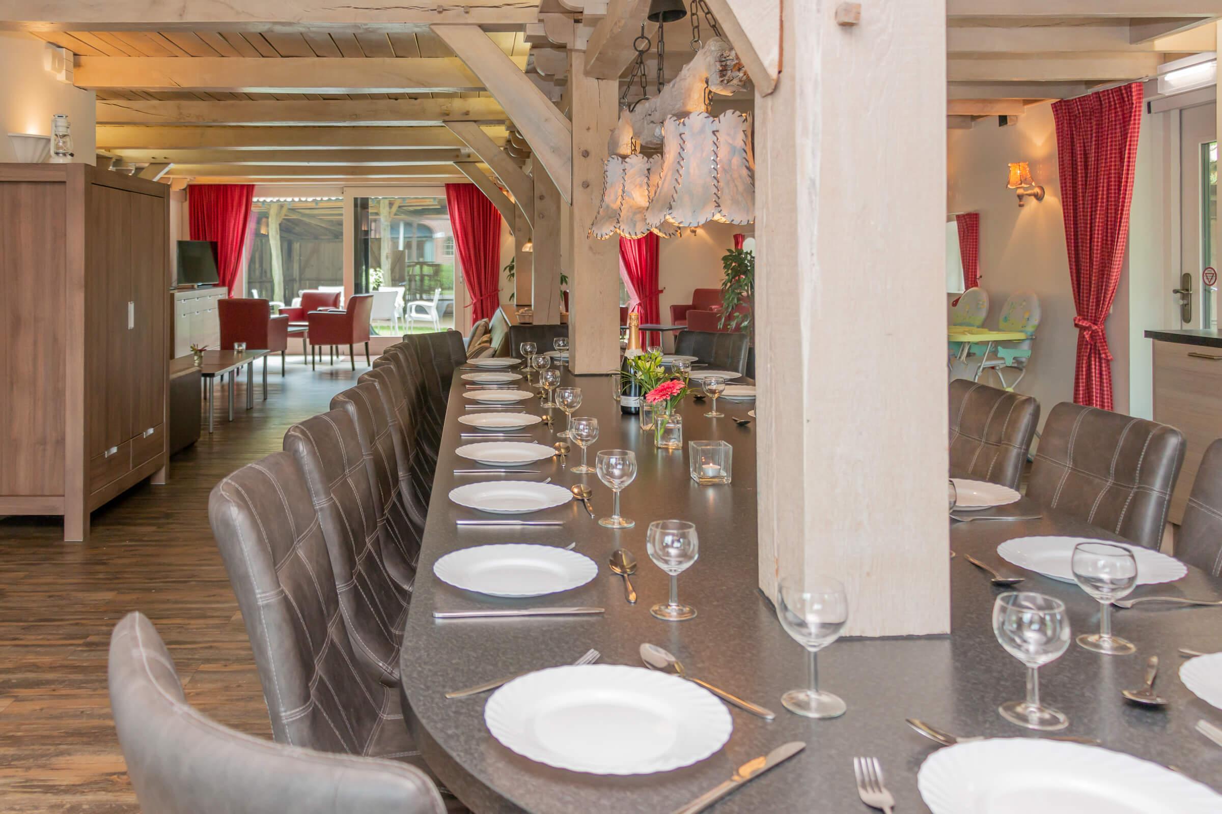 Eettafel In Woonkamer : Eettafel woonkamer keuken de grenswachter